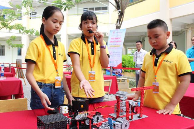Mô hình xử lý rác của học trò tiểu học thắng giải Robotacon - Ảnh 1.
