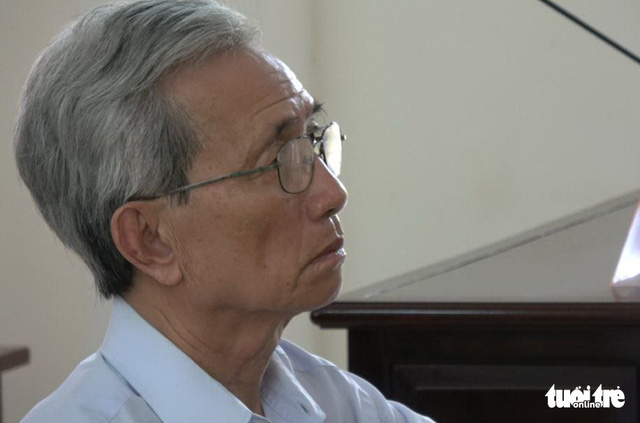 Ông Nguyễn Khắc Thủy đến nhà tạm giữ tự nguyện thi hành án - Ảnh 2.