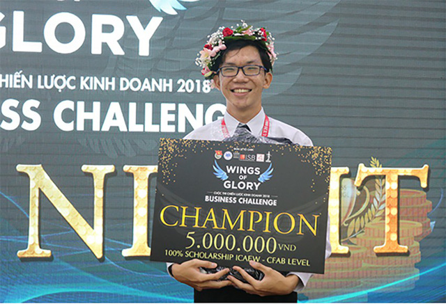 Trao giải nhất cuộc thi Chiến lược kinh doanh 2018 - Ảnh 1.