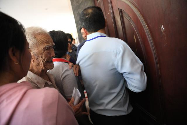 Bí thư Nguyễn Thiện Nhân: Thành phố không gạt bà con Thủ Thiêm - Ảnh 22.