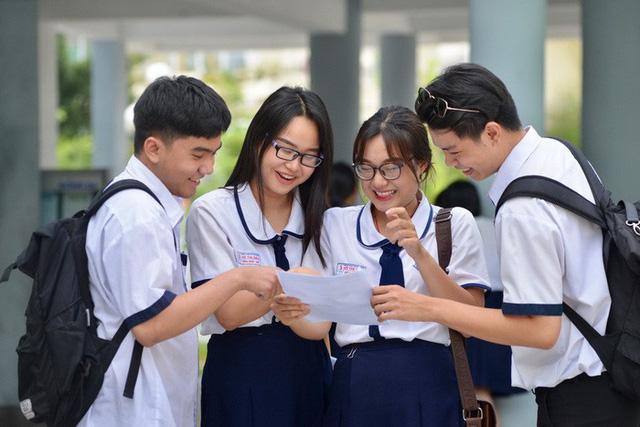 Công bố đáp án các môn thi THPT quốc gia - Ảnh 1.