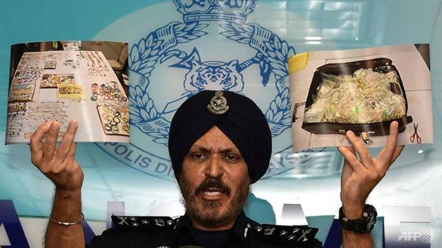 Cựu thủ tướng Malaysia giải thích tài sản lớn là... quà tặng - Ảnh 1.