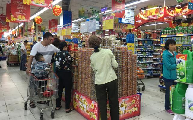 Bỏ quy định không giống ai: siêu thị giảm giá 3 lần/năm - Ảnh 1.