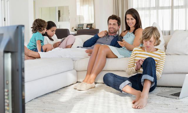 Trẻ em sử dụng thiết bị công nghệ, bao lâu là đủ? - Ảnh 1.