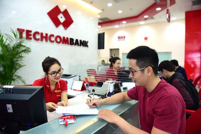 Cổ phiếu Techcombank tăng trở lại - Ảnh 2.