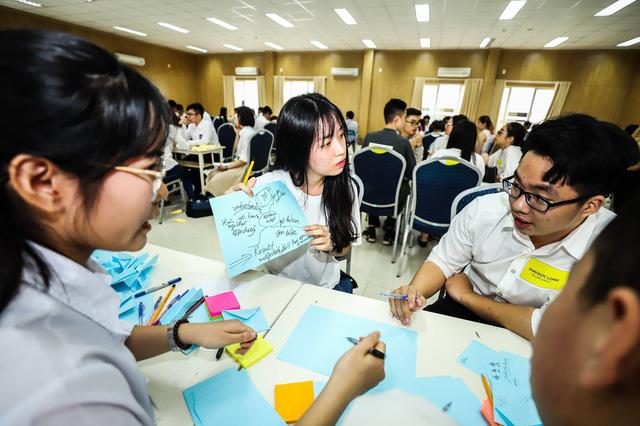 56 sinh viên đầu tiên của ĐH Fulbright Việt Nam nhập học - Ảnh 1.