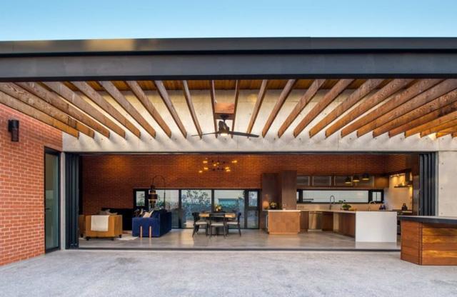 Ngôi nhà bằng vật liệu tái chế vừa đẹp, vừa sang - Ảnh 7.