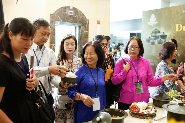 Minh Long ra mắt bộ sản phẩm nồi sứ dưỡng sinh  - Ảnh 4.