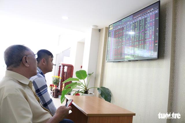 Sau 7 phiên rớt giá, cổ phiếu PNJ quay đầu nhờ giá vàng tăng - Ảnh 1.