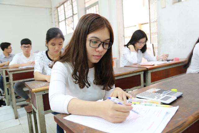 Hơn 4.500 thí sinh thi đánh giá năng lực vào ĐH Quốc gia TP.HCM - Ảnh 2.
