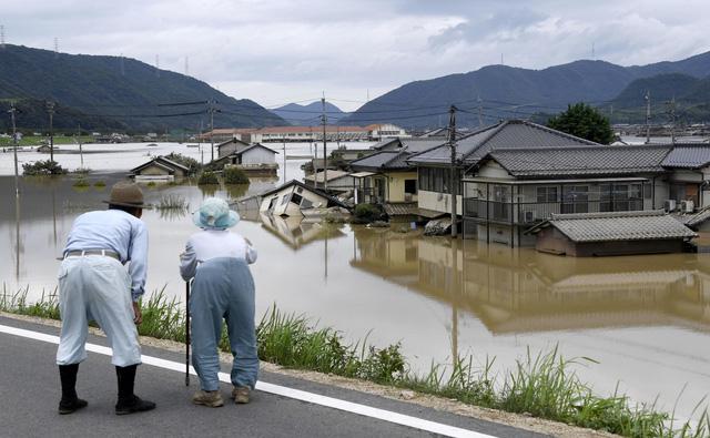 Ít nhất 88 người chết do mưa lớn lịch sử ở phía tây Nhật Bản - Ảnh 4.