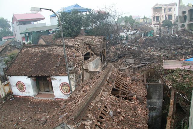 Phát hiện 2 tấn đầu đạn trong vườn nhà dân ở Hưng Yên - Ảnh 1.