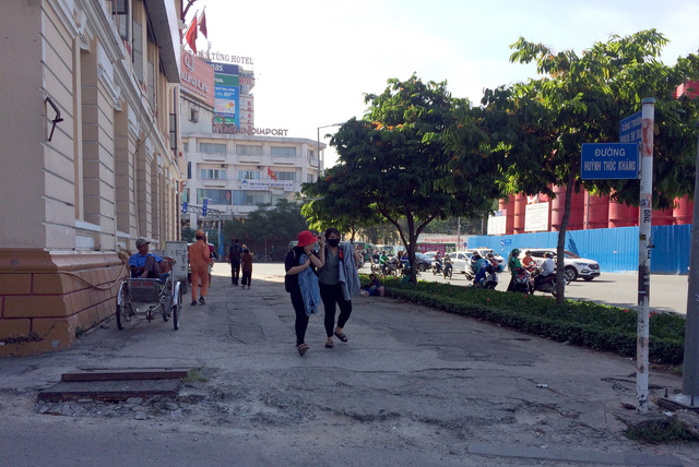 Bãi giữ xe quận 1 sau yêu cầu tạm đình chỉ của ông Đoàn Ngọc Hải - Ảnh 7.