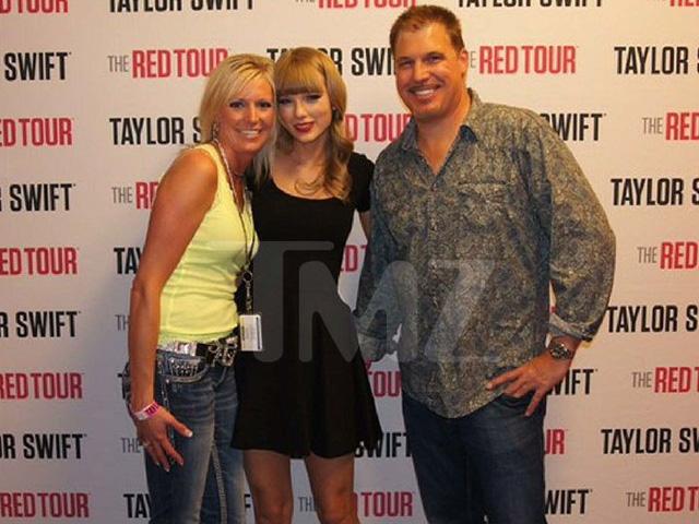 Người sờ mông Taylor Swift chật vật có việc làm chốn tỉnh lẻ - Ảnh 1.