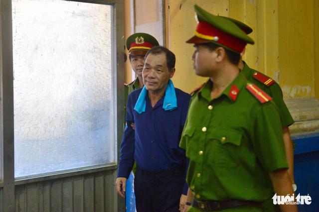 Đại gia Trầm Bê phải chăm sóc y tế, ông Trần Bắc Hà vắng mặt - Ảnh 2.
