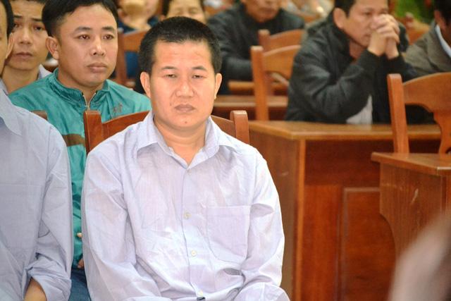Xét xử 21 bị cáo trong vụ phá rừng pơ mu ở Quảng Nam - Ảnh 1.