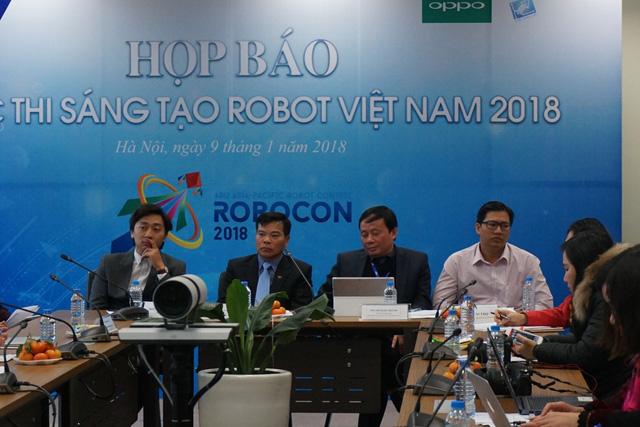 Robocon 2018: robot tranh tài ném còn - Ảnh 1.