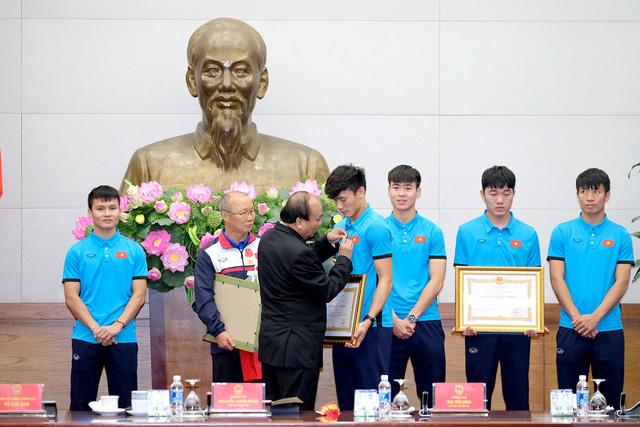 Thủ tướng trao huân chương cho thầy trò U23 Việt Nam - Ảnh 4.