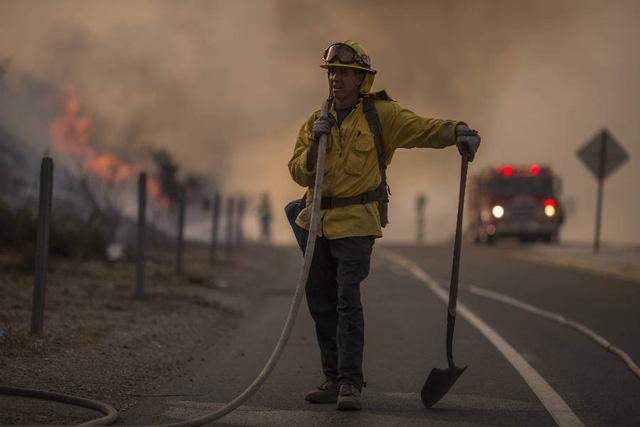 Trời nóng đã làm gia tăng số vụ cháy rừng ở California (Mỹ), Bồ Đào Nha và Chile trong năm 2017 - Ảnh: GETTY IMAGES