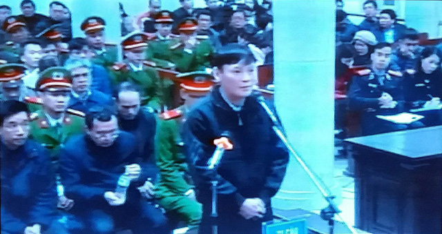2 túi tiền được chuyển cho ông Trịnh Xuân Thanh qua lái xe - Ảnh 2.