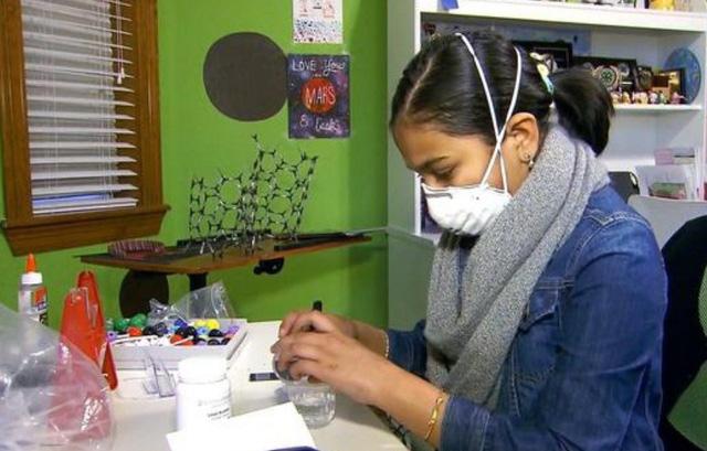 Nữ sinh 12 tuổi chế tạo máy phát hiện nước nhiễm chì - Ảnh 2.