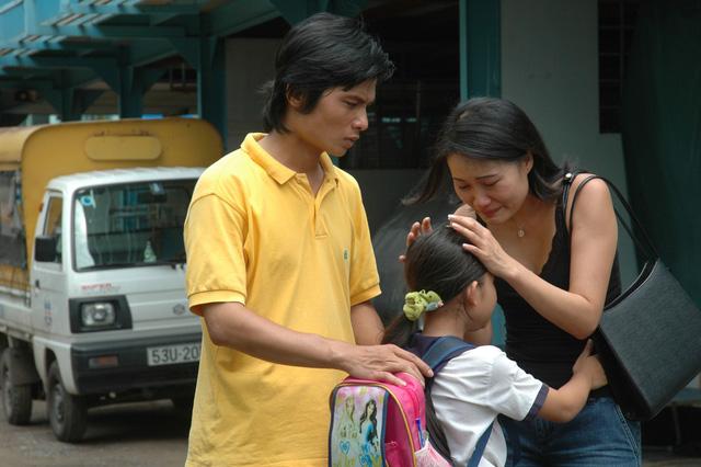 Cú và chim se sẻ - chuyện cổ tích hiện đại giữa Sài Gòn - Ảnh 3.