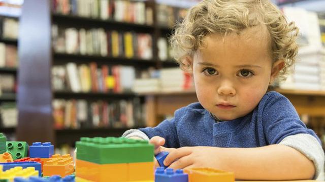 Rối loạn tự kỷ ở trẻ em: Cần phát hiện và can thiệp sớm - Ảnh 1.