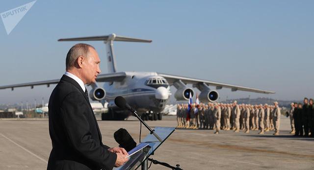 Matxcơva ám chỉ Mỹ hỗ trợ tấn công căn cứ Nga - Ảnh 5.