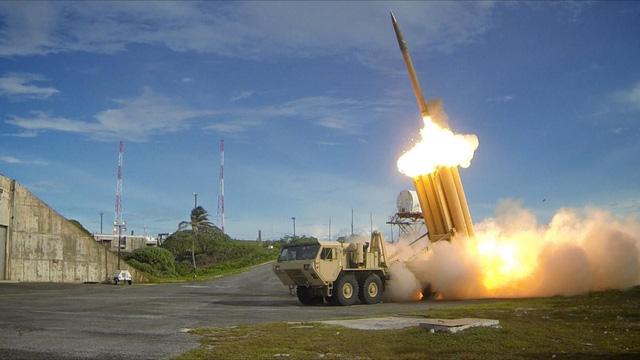 Mỹ thử nghiệm bắn hạ tên lửa ở Hawaii thất bại? - Ảnh 1.