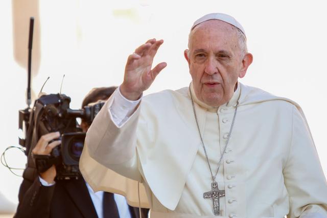 Giáo hoàng: Con rắn trong vườn Địa đàng là kẻ tung tin giả đầu tiên - Ảnh 1.