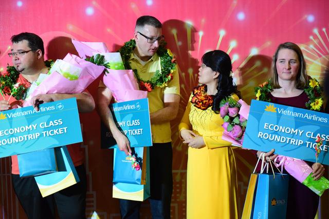 TP.HCM đón những vị khách xông đất năm 2019 - Ảnh 1.