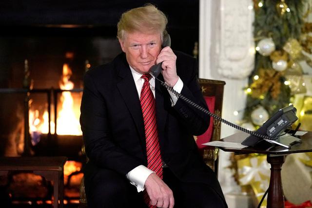 Ông Trump nài nỉ nghị sĩ Dân chủ bỏ phiếu mở cửa chính phủ - Ảnh 1.