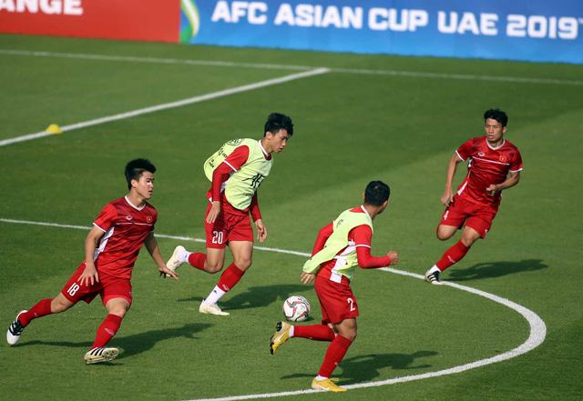 Ông Park cho các học trò tập bài tập lạ để chống Iran - Ảnh 1.