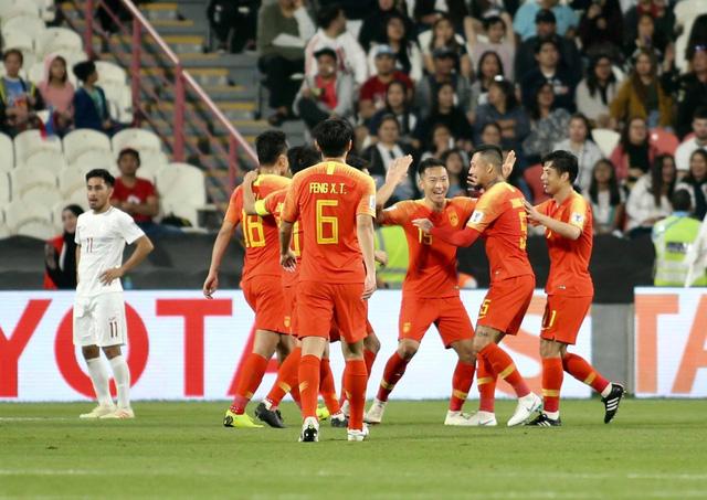 Thắng đậm Philippines, Trung Quốc đoạt vé vào vòng 16 đội Asian Cup 2019 - Ảnh 1.