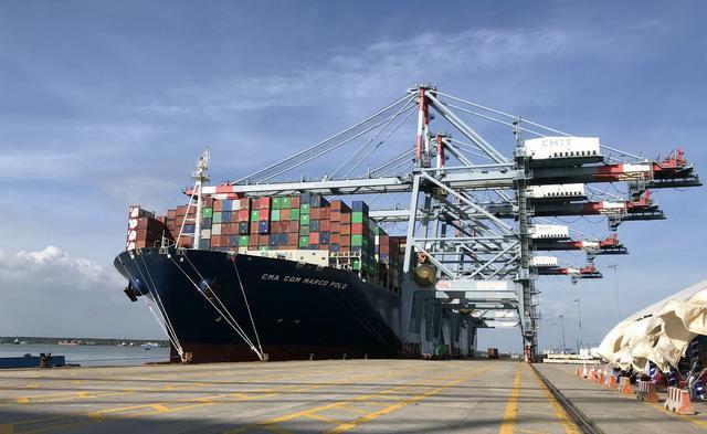 Tàu container lớn nhất thế giới chở hàng đi thẳng từ VN sang Bắc Âu - Ảnh 1.