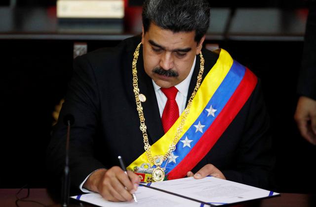 Tổng thống Venezuela tuyên thệ nhiệm kỳ 2 trước bộn bề thách thức - Ảnh 1.