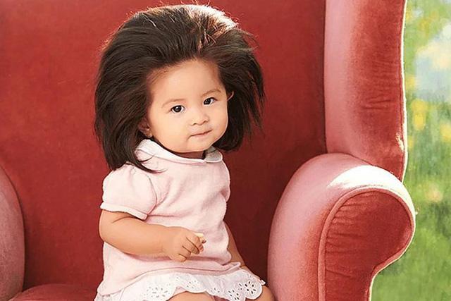 Bé gái Nhật 1 tuổi gây bão mạng với mái tóc bờm sư tử - Ảnh 1.