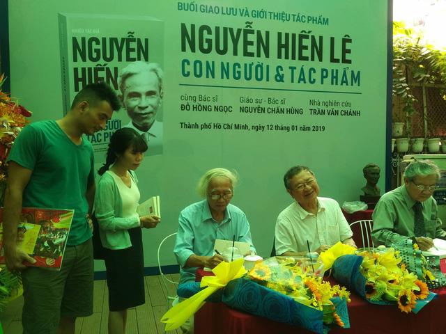 Tác phẩm Nguyễn Hiến Lê đơn sơ mà sâu thẳm, cũ kỹ mà rất hiện đại - Ảnh 4.