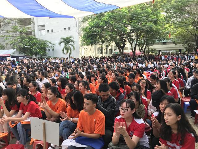 Học sinh Đà Nẵng quan tâm đến kinh tế, khởi nghiệp - Ảnh 1.