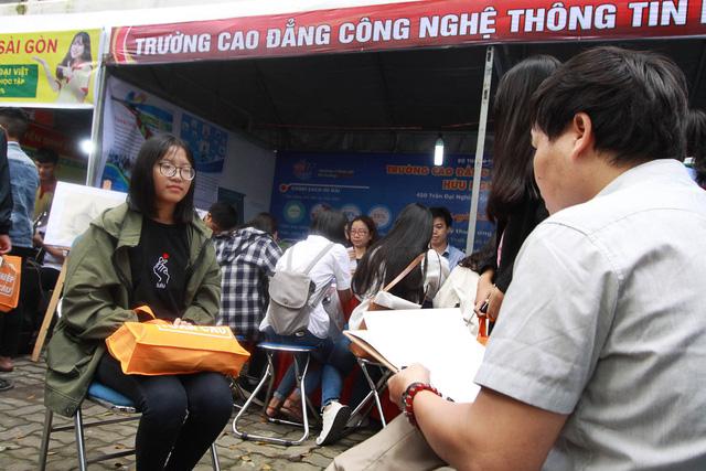 Sôi nổi ngày hội tư vấn tuyển sinh - hướng nghiệp 2019 tại Đà Nẵng - Ảnh 11.