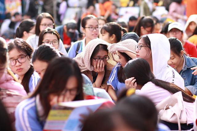 Sôi nổi ngày hội tư vấn tuyển sinh - hướng nghiệp 2019 tại Đà Nẵng - Ảnh 4.