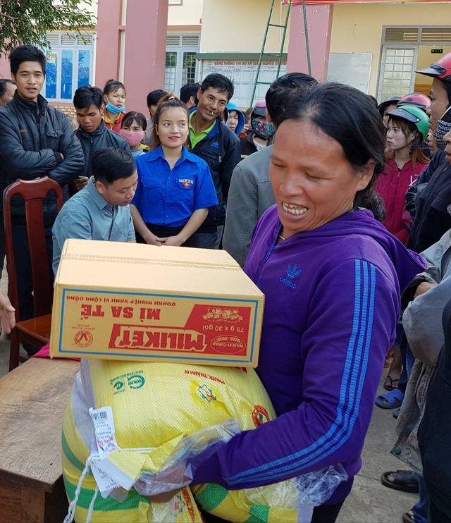 Trao 550 phần quà cho bà con nghèo ở Tây Nguyên  - Ảnh 3.