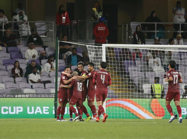 Hòa UAE, Thái Lan giành vé trực tiếp vào vòng 16 đội - Ảnh 2.