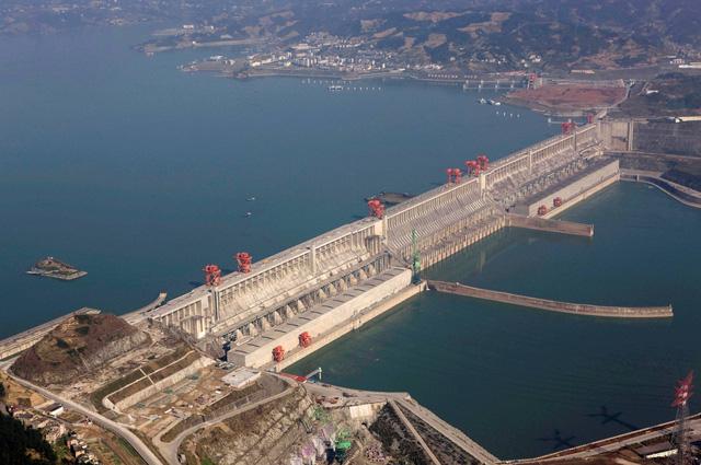 Trung Quốc cho xây đập thủy điện cao đến 239m - Ảnh 1.