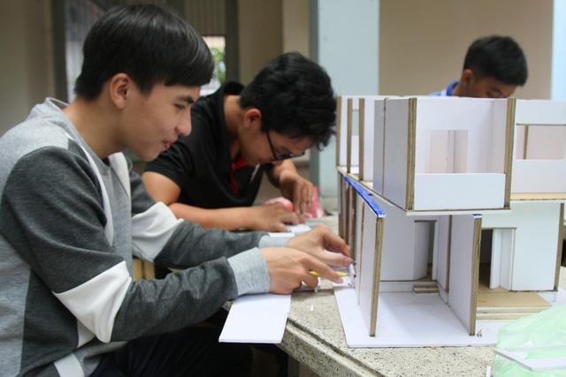 ĐH Quốc gia TP.HCM công bố lộ trình thực hiện tự chủ, tăng học phí - Ảnh 1.