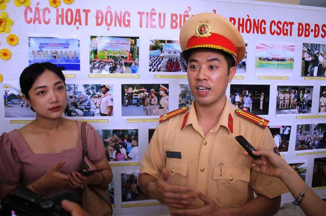Trung tá Huỳnh Trung Phong: Có nhóm cảnh giới đưa xe tải vào đường cấm ở TP.HCM - Ảnh 1.