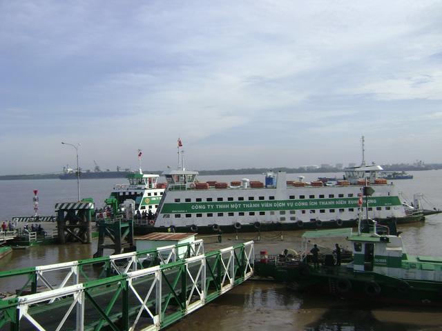 Phà Bình Khánh, Cát Lái tăng hàng trăm chuyến trong dịp tết 2019 - Ảnh 1.