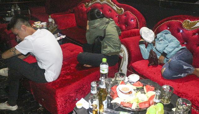 Nhiều thanh niên sử dụng ma túy ở quán bar Diamond tại Vĩnh Long - Ảnh 1.