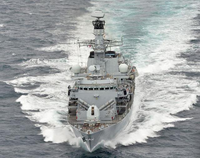 Mỹ, Anh lần đầu phối hợp tập trận 6 ngày trên Biển Đông - Ảnh 1.