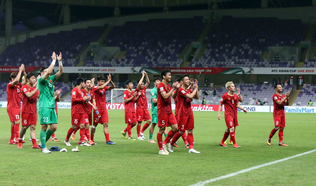 CĐV Thái Lan, Hàn Quốc chúc mừng chiến thắng của Việt Nam - Ảnh 1.